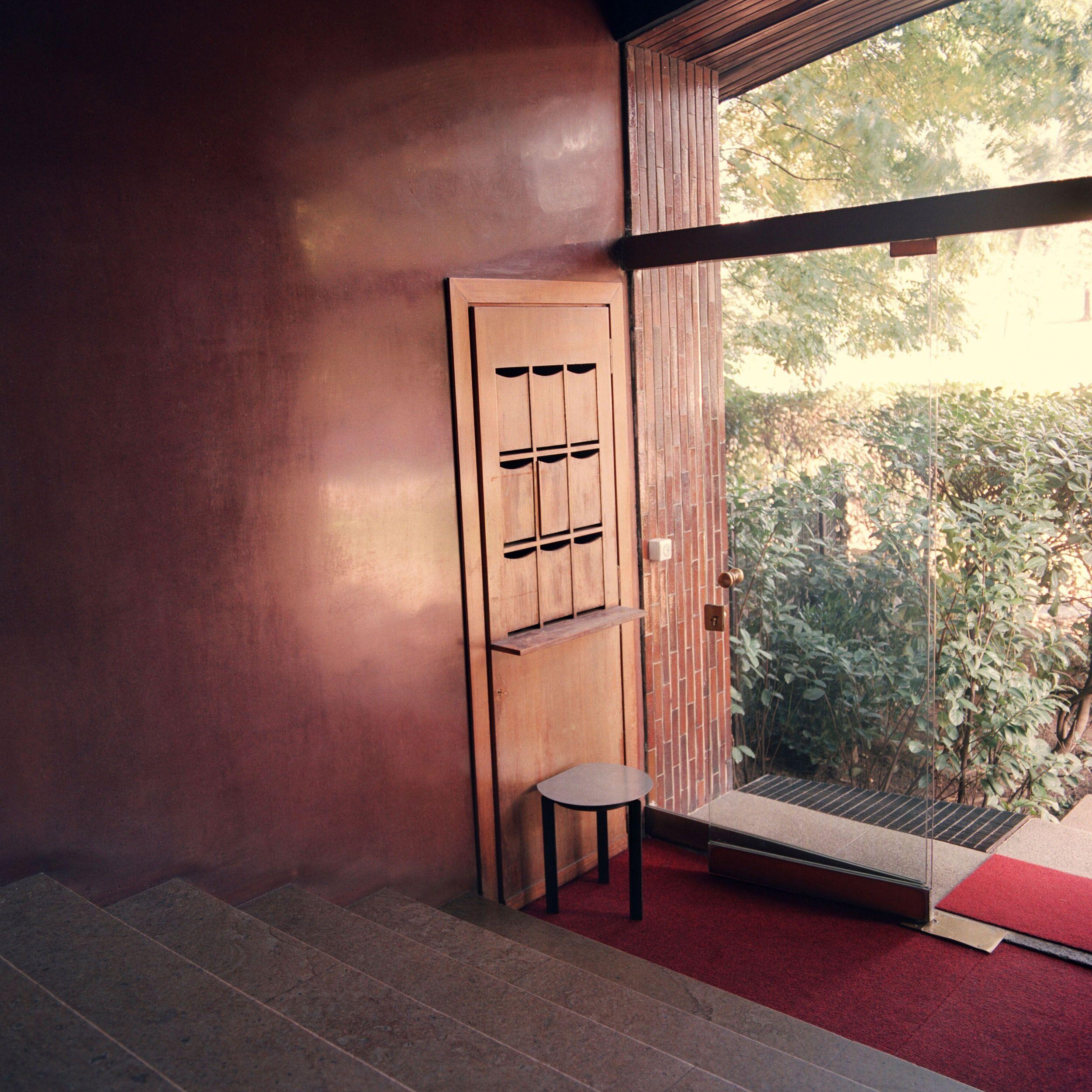 Sillabe Luca Baroni Furniture Table 17
